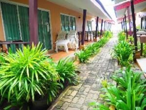 当格海滩平房酒店 (Dang Sea Beach Bungalow)