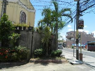 picture 3 of Magic Square Inn