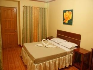 picture 4 of Gloreto Guest House
