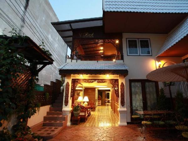 Rich Lanna House Chiang Mai