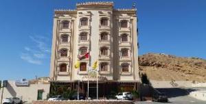 關於愛雅廣場飯店 (Al Ayjah Plaza Hotel)