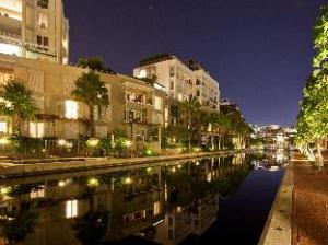 Marina Waterfront Apartments