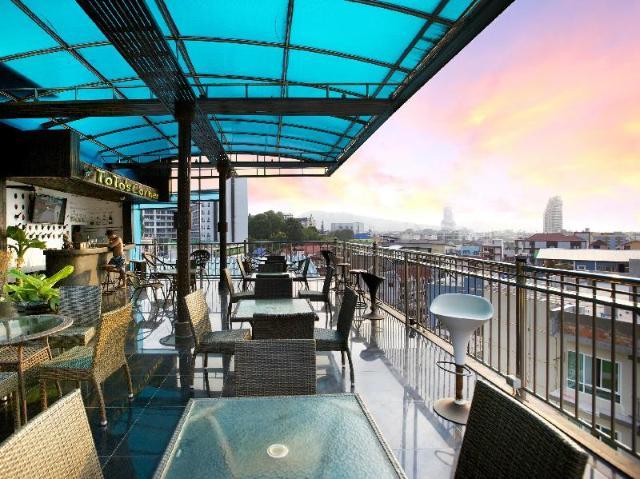 โรงแรมป่าตอง อายส์ – Patong Eyes Hotel