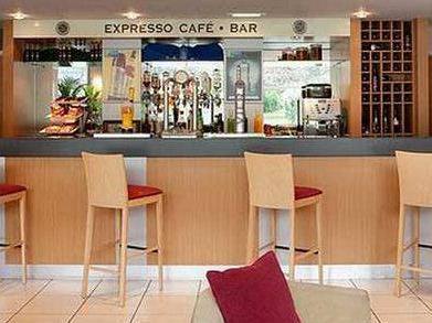 Premier Inn Nottingham City  Chapel Bar
