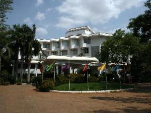ホテル サンガム タンジャーブル (Hotel Sangam Tanjore)