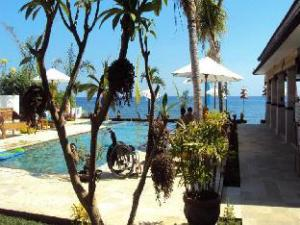 Kelapa Lovina Beach Villa