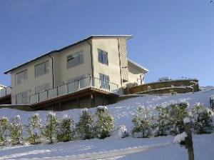 Criffel Peak View B&B and Apartment