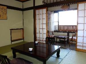 Futarishizuka Hakuun Hotel