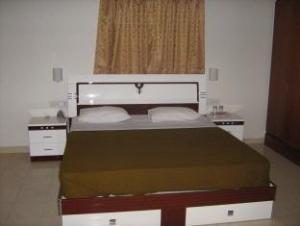 Shree Balaji Serviced Apartment - Kumar Kurti