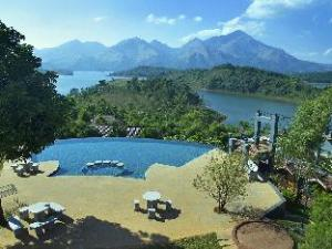 關於沙羅義度假村 (Sharoy Resort)