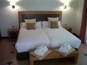 Про Hotel Suite Villa María (Hotel Suite Villa Maria)