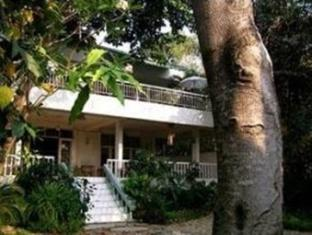 chiang mai river house