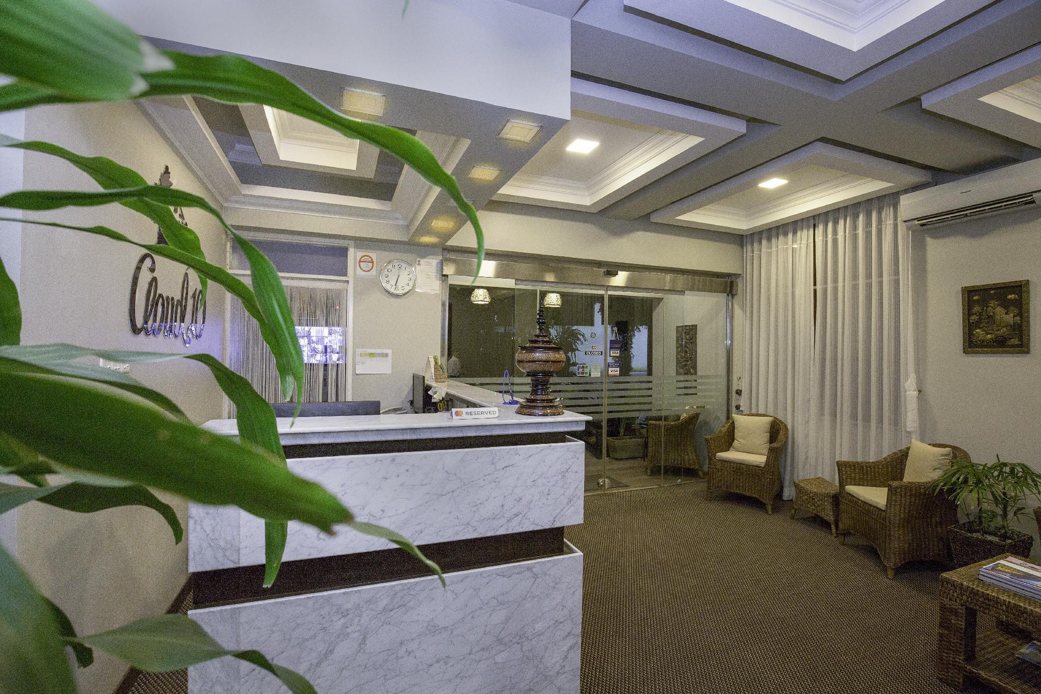 Cloud 10 Boutique Hotel