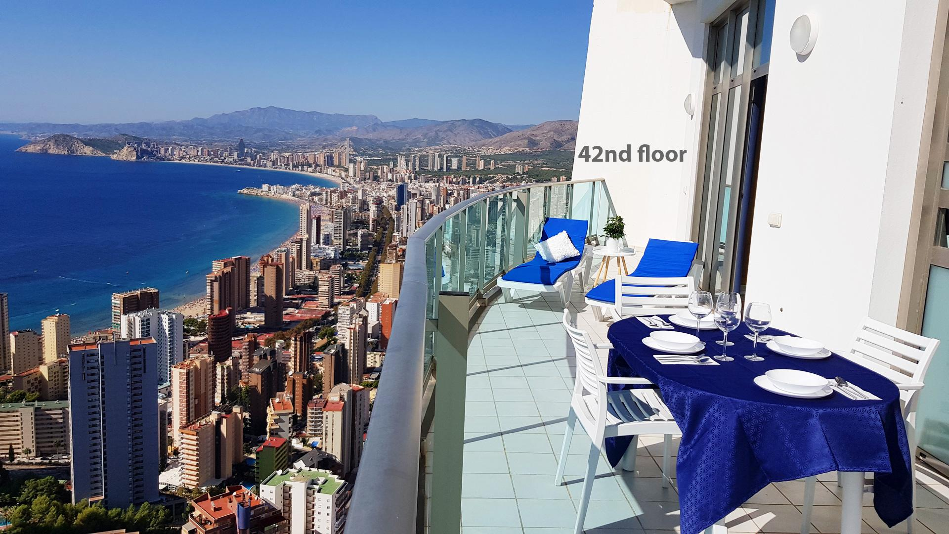 Sunny Penthouse With Sea Views  42nd Floor