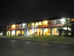 McNevins Motel Warwick