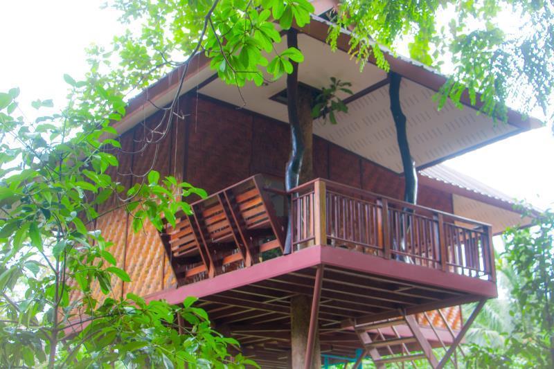 Baan Khao Sok Resort บ้านเขาสก รีสอร์ท