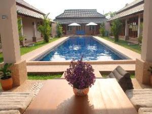 Lanna Thai Villa Home Stay