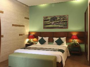 The Green Zhurga Suites