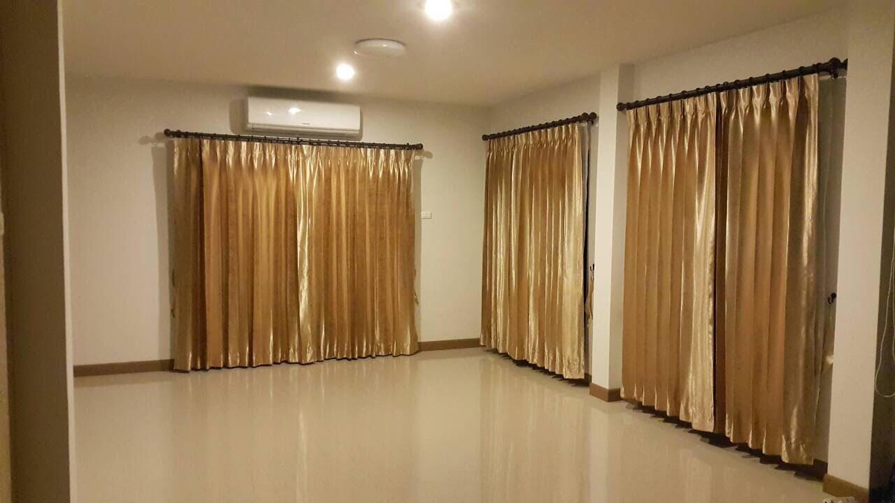 Hotel Review: Siliwalai Village, Rangsit – Picture, Room Rates and Deals