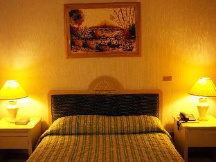 picture 2 of Orange Grove Hotel