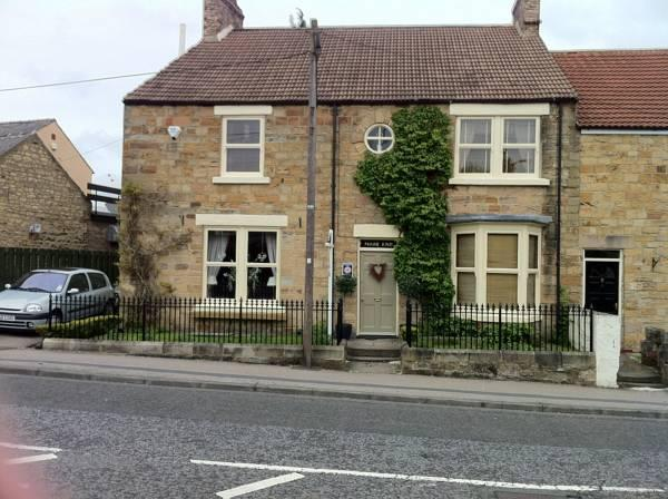 Moor End Guest House