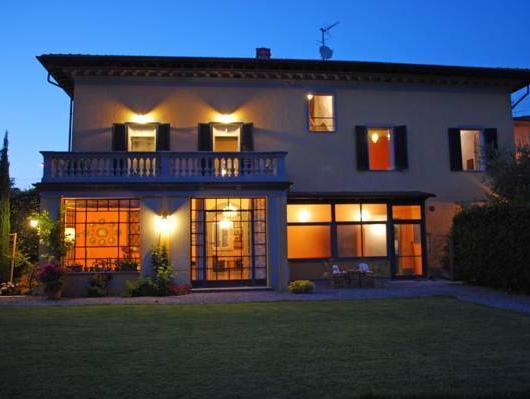 Al Porto Di Lucca BandB