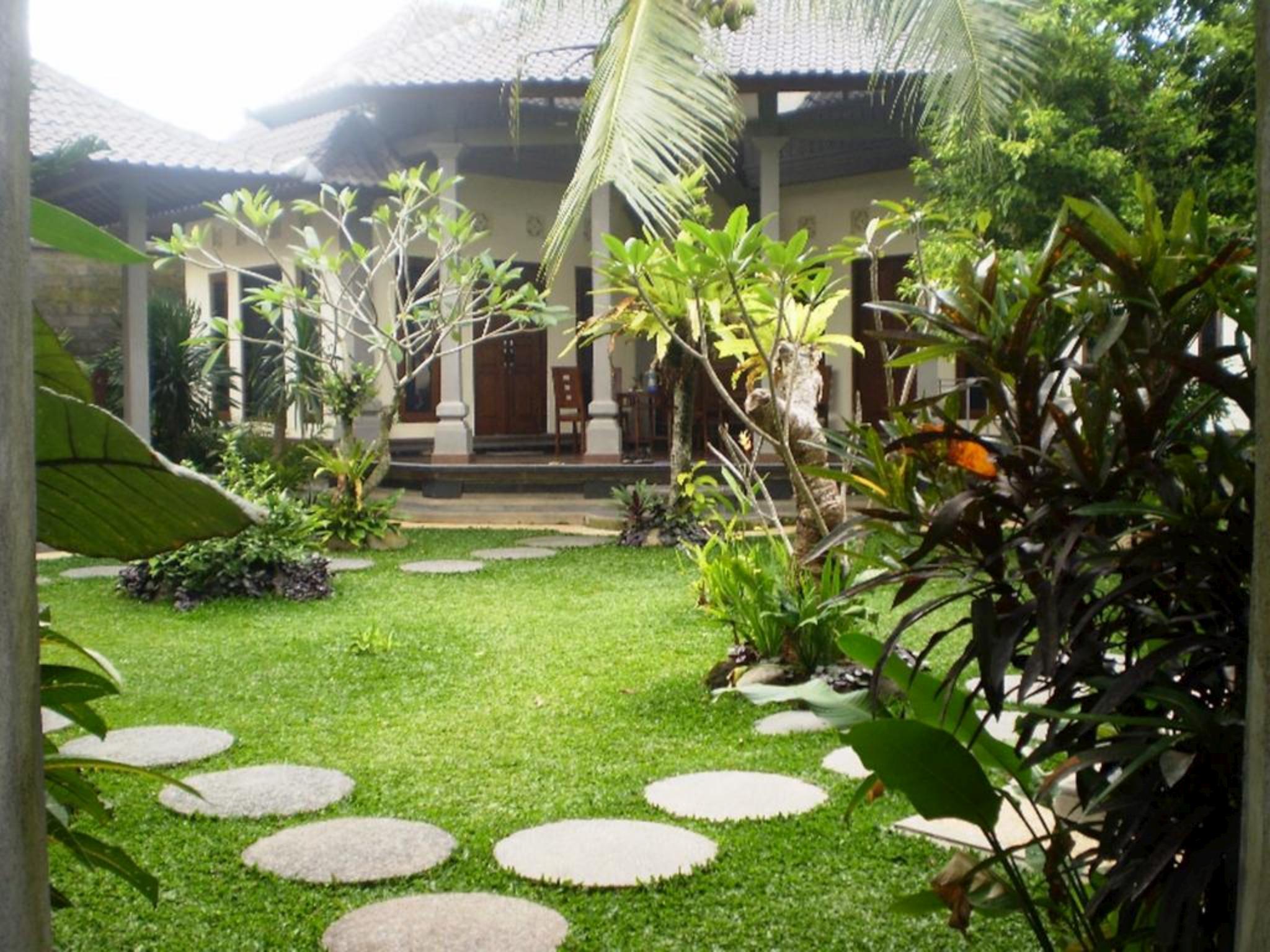 Loka Sari Guest House And Spa