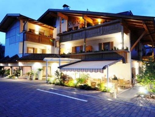Hotel FleurAlp