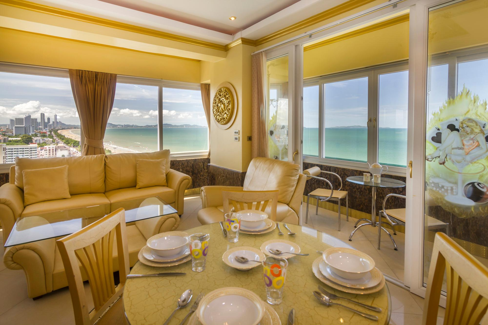 GOLDEN Jomtien Beach apartment 66 m2 sea view Reviews