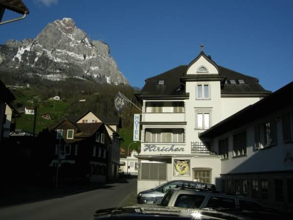 Hirschen Backpacker Hotel And Pub