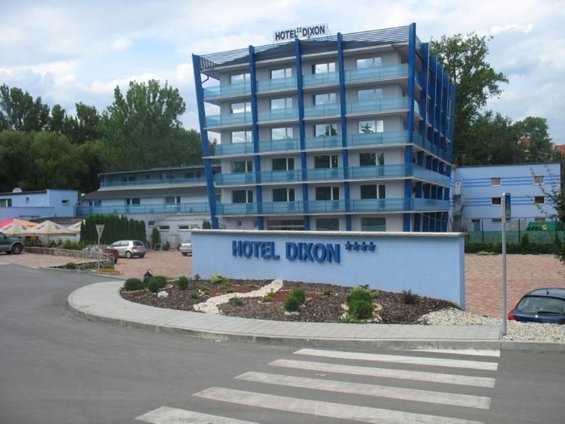 Dixon Hotel