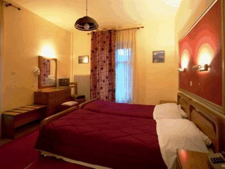 Pezoula Hotel