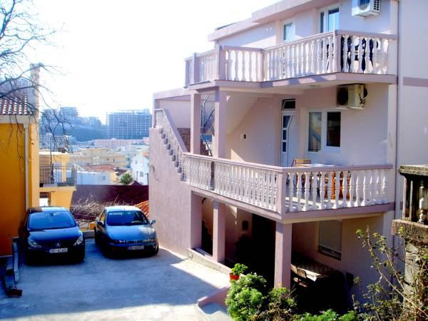 Apartments Cenic