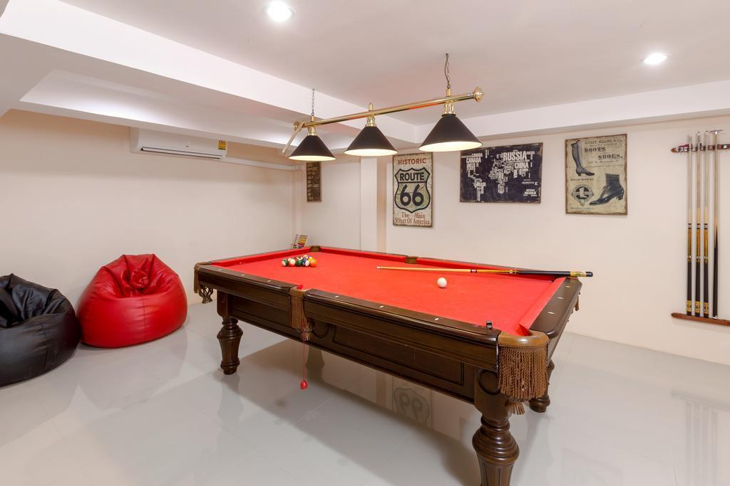 Review Luxury 8 Bedroom Villa Sleeps 16 in Patong Phuket