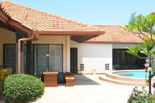 %name Tranquil 3 bedroom Villa Close to beach พัทยา