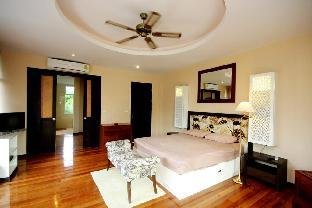 %name 8 Bedroom Holiday Villa Very Close to Beach by HVT พัทยา