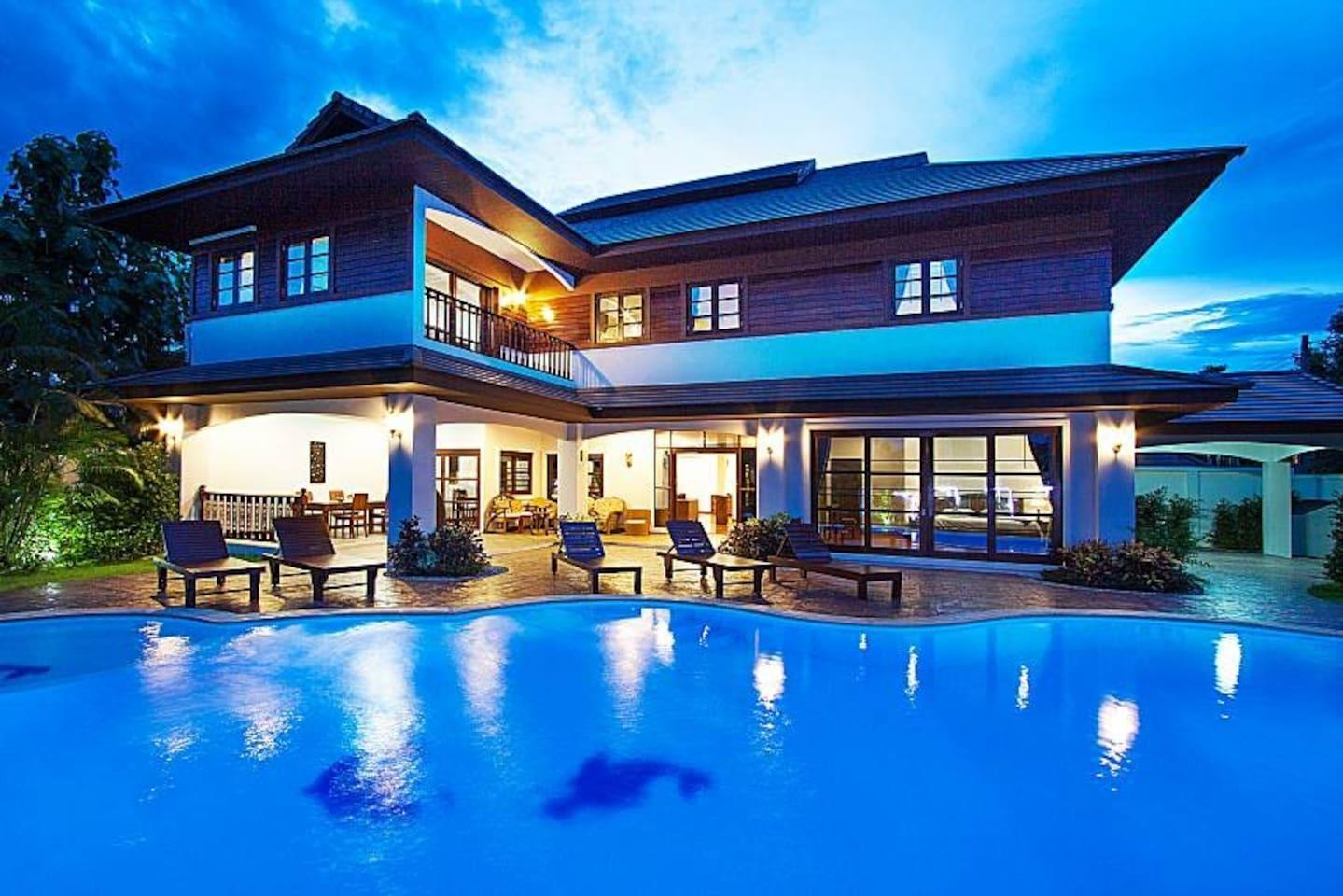 Lanna Villa 7 Bed Sleeps 14 Pool in Chiang Mai Lanna Villa 7 Bed Sleeps 14 Pool in Chiang Mai