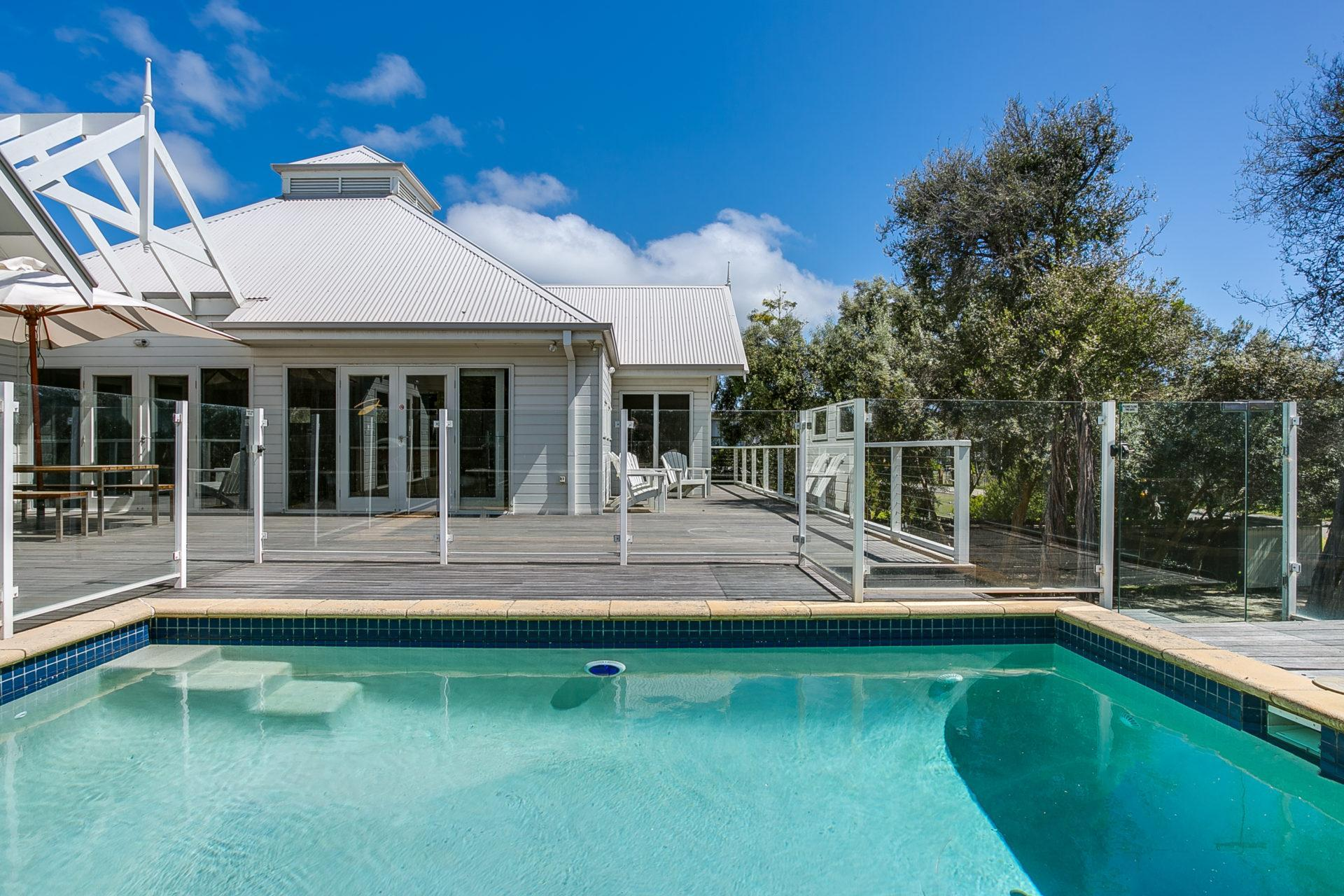 4 Bedrooms Perfect Blairgowrie Beach House