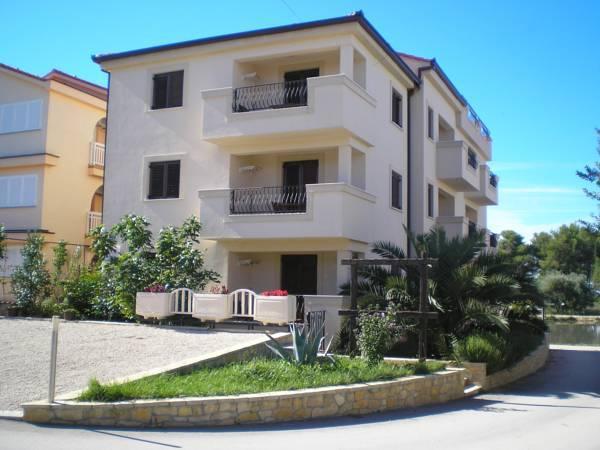 Casa Del Sol Apartments