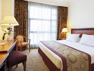 Anwar Al Madinah Movenpick Hotel