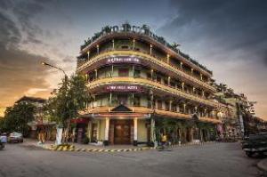 セン ホウト ホテル (Seng Hout Hotel)