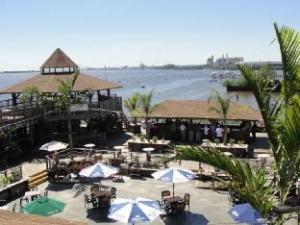 Airport Waterfront Inn