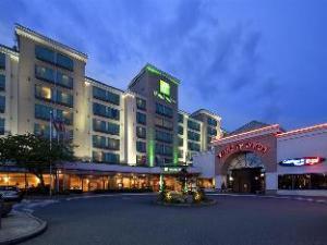 里士满温哥华机场假日酒店 (Holiday Inn Vancouver Airport Richmond)