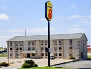 Super 8 Groves Hotel