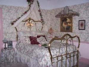 Bellinger Rose Bed And Breakfast