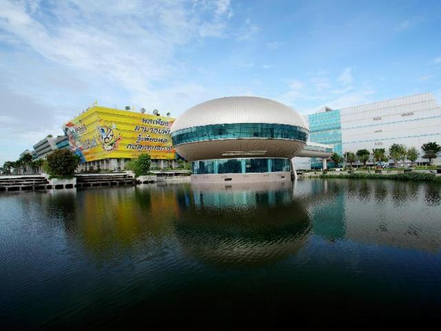เซ็นทรา บาย เซ็นทารา กัฟเวิร์นเมนต์ คอมเพล็กซ์ โฮเต็ล แอนด์ คอนเวนชั่น เซ็นเตอร์ แจ้งวัฒนะ – Centra by Centara Government Complex Hotel & Convention Centre Chaeng Watthana