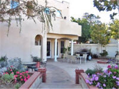 Santa Paula Inn