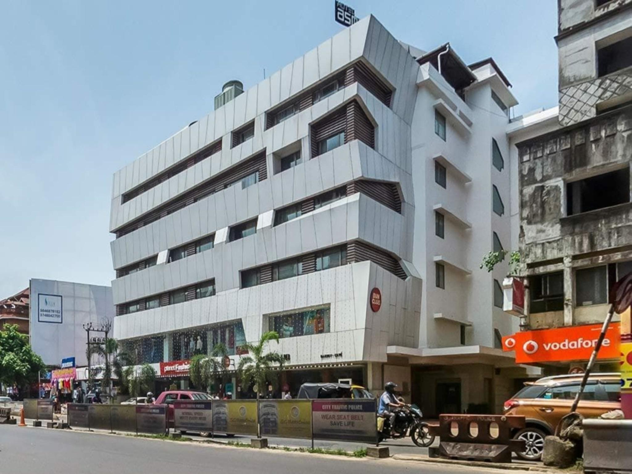 Hotel Asma Tower