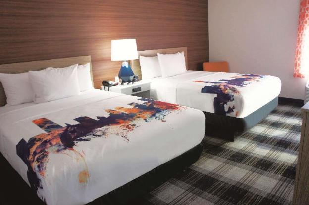 La Quinta Inn & Suites by Wyndham Oklahoma City Airport