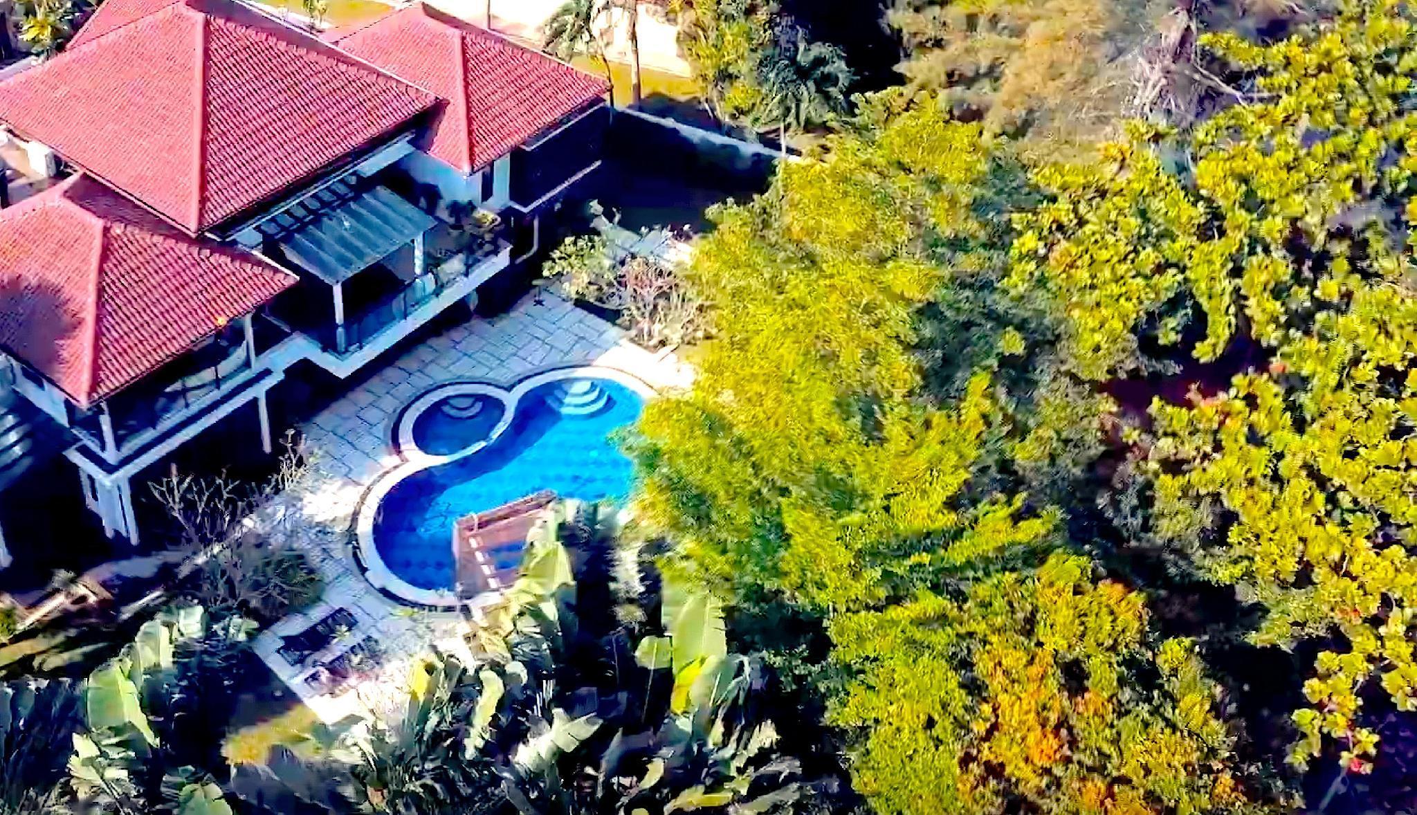 @12Haven -Stunning Seaside Luxury Villa  With Pool